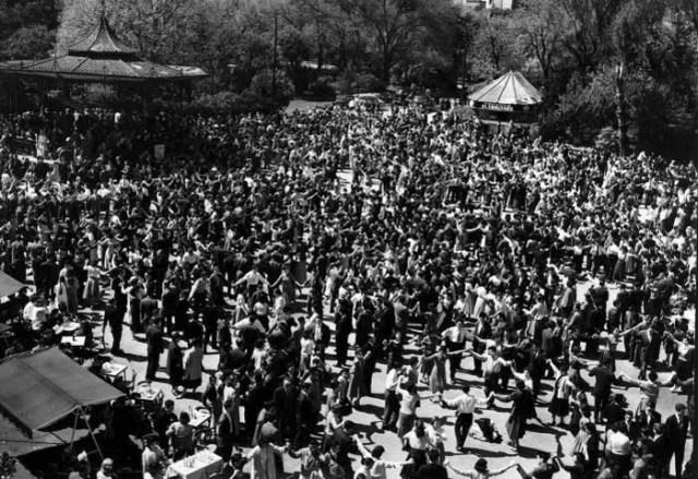 1950 Sardanes al Parc