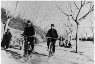 Passeig Nou. Ciclistes