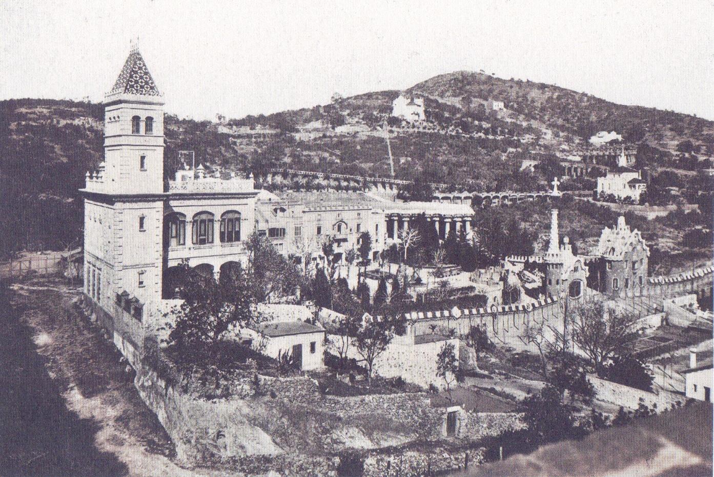 1912 La Casa Pere Jaqués en primer terme, 1912. Col·lecció Juan José Lahuerta-1